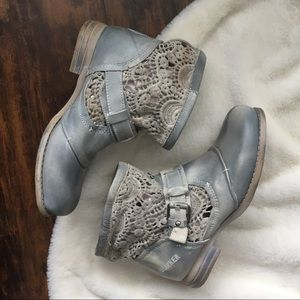 7.5 Lace Bunker Boots